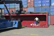 4FOLD foldable container in the Port of Hamburg